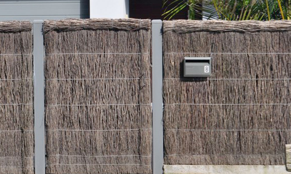 Thatched Fencing 1