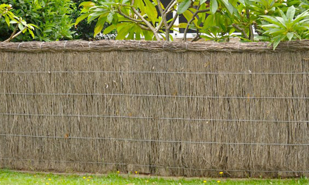 Thatched Fencing 4