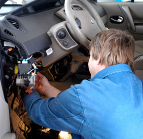 Vehicle Accessories Installer